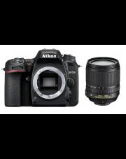 Nikon D7500 + Nikkor 18-105 VR